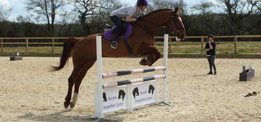 Show Jumping in Hoof Club Jump Team